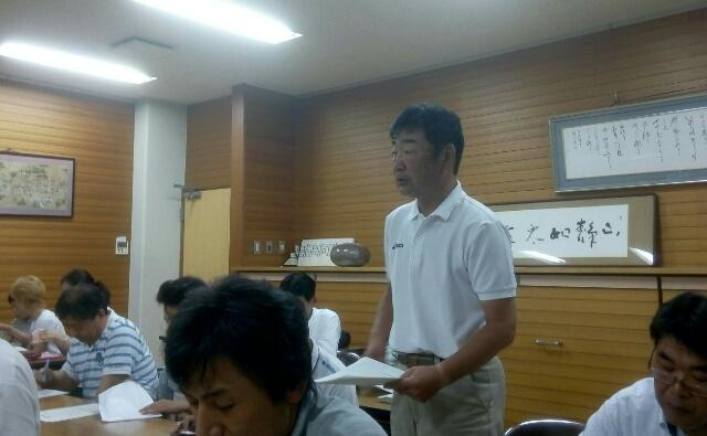 親善招待サッカーが次の大きなイベントであるので成功させたいことを熱弁する副実行委員の矢崎君